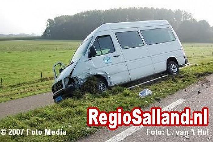 Ongeval met letsel op de Rijkstraatweg in Olst - Foto: Leo van 't Hul