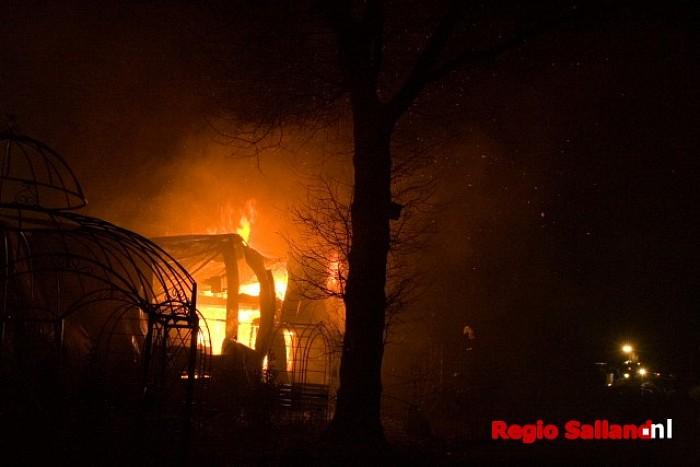 Grote brand legt werkplaats voor kunst in de as - Foto: Andy Hutten
