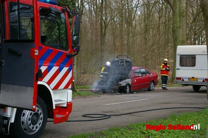 Autobrand aan de Boxbergerweg in Olst - Foto: Jasper Hutten