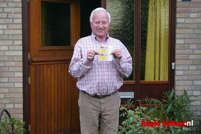 De gelukkige winnaar B. van Dam - Foto: Jasper Hutten