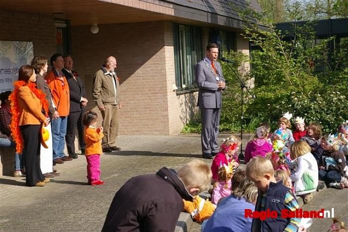 Koninginnedag 2008 van start in Wijhe - Foto: Jasper Hutten