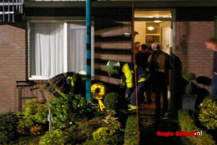 Wateroverlast bij woningen aan de Dahliastraat in Raalte - Foto: Jasper Hutten