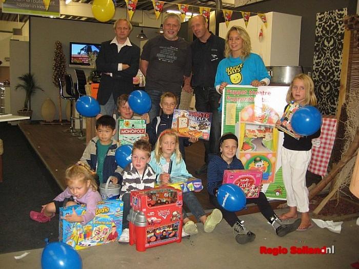 Winnaars bekend van Ribs & Blues ballonnenwedstrijd - Foto: Eigen foto