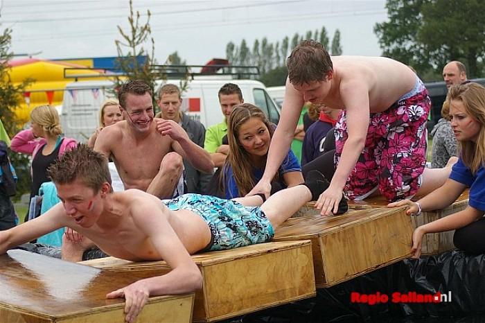 Zeskamp tijdens Herxenfeest in Herxen - Foto: Jasper Hutten