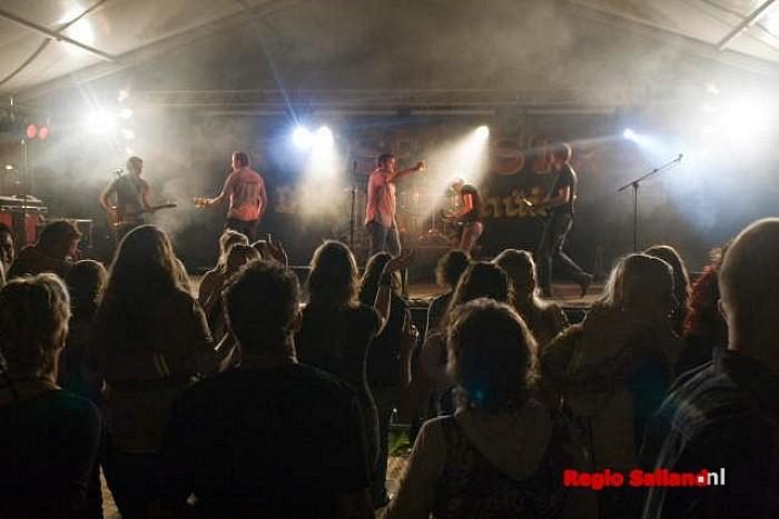 Lekker druk bij 36e Bosfeest in Liederholthuis - Foto: Andy Hutten