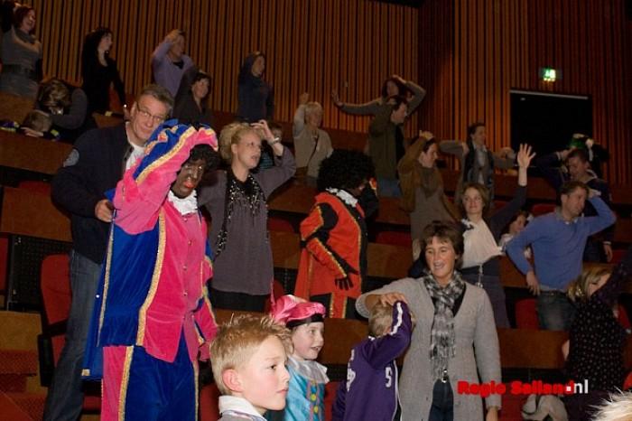 Groot feest bij voorstellingen van SintShowPaleis in Raalte - Foto: Pim Haarsma