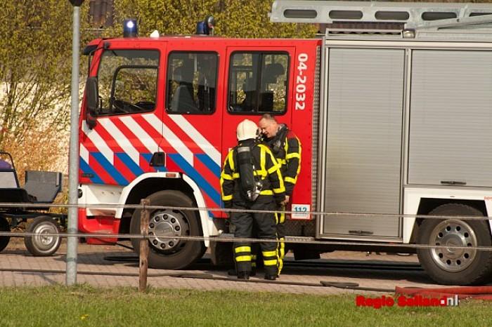 Tractor uitgebrand in schuur in Lemele - Foto: Pim Haarsma