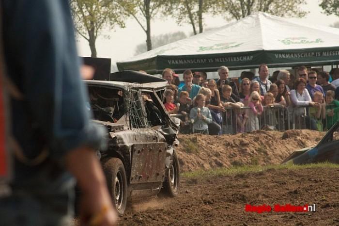 Grote belangstelling voor autorodeo in Boerhaar - Foto: Pim Haarsma