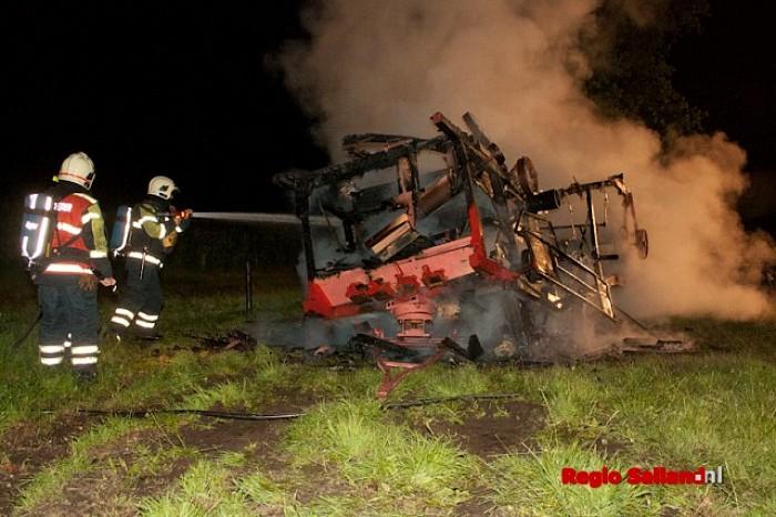 Familiegeschil oorzaak van brand in dorsmachine in Raalte - Foto: Pim Haarsma