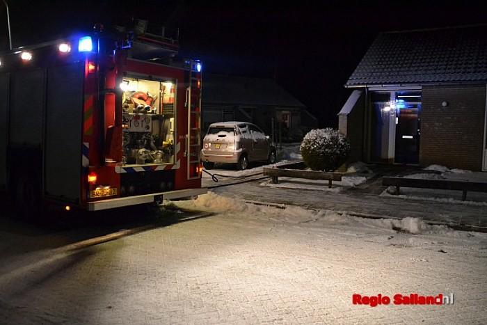 Container vat vlam Bernard van Galenstraat in Raalte - Foto: Jasper Hutten