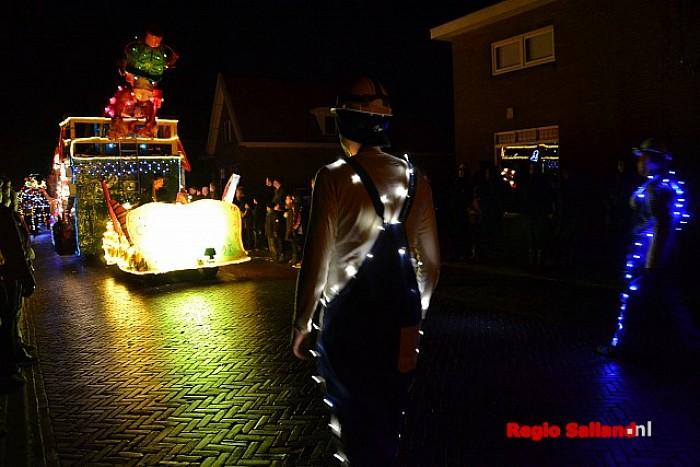 Veel bezoekers voor verlichte optocht in Lemelerveld | Regio Salland