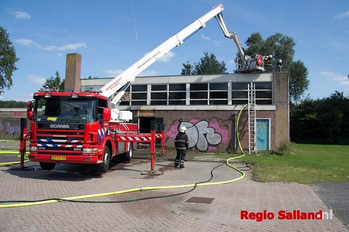 Sloopwerkzaamheden van start bij gymzaal in Lemelerveld - Foto: Pim Haarsma