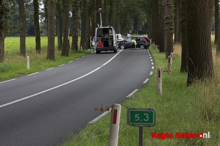 Ernstig ongeval op de Poppenallee bij Dalfsen - Foto: Pim Haarsma