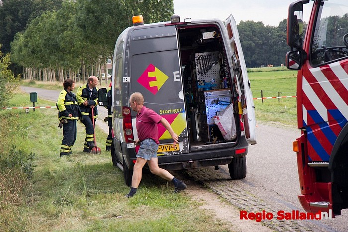 Grasmaaier veroorzaakt gaslekkage aan de Wechterholt - Foto: Pim Haarsma