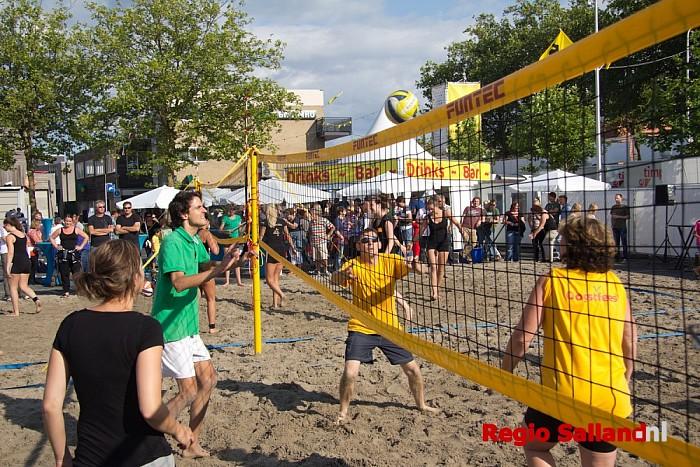 Stöppelhaene: Sportieve zaterdag met beachvolleybal - Foto: Pim Haarsma