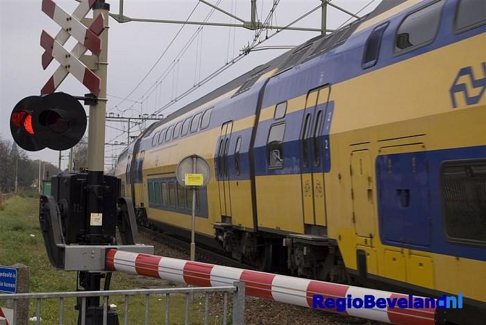 Geen treinverkeer tussen Heino-Raalte na aanrijding - Foto: Robin Duteweerd