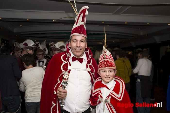 Wet'ringdempers uit Boerhaar begroeten nieuwe prinsen - Foto: Jasper Hutten
