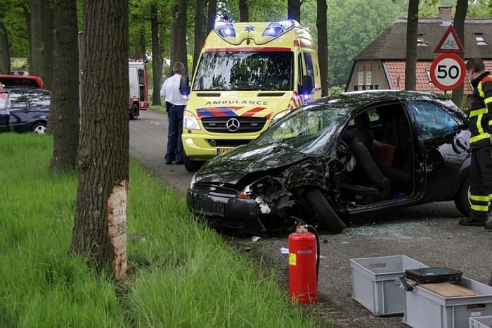 Vrouw (51) gewond bij eenzijdige aanrijding in Dalfsen - Foto: Salland Centraal
