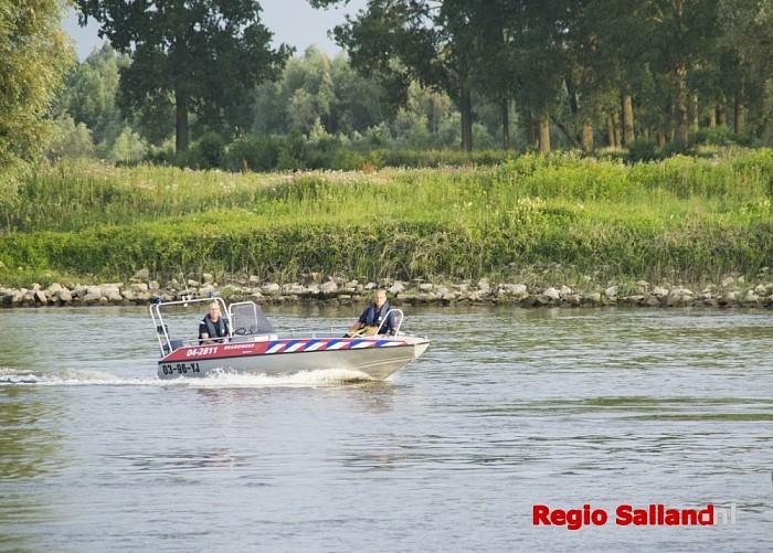Lijk gevonden in de IJssel bij Deventer - Foto: Jasper Hutten