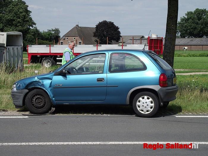Gewonde bij ongeval Wijheseweg Broekland - Foto: Thomas Druiven
