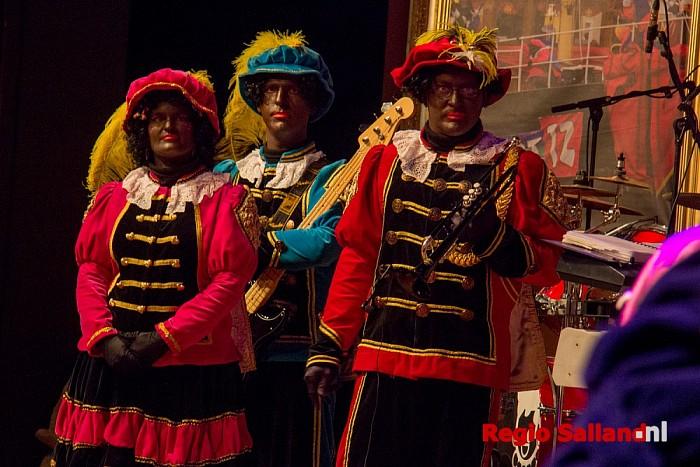 Theatershow SintShowPaleis onverminderd populair - Foto: Pim Haarsma
