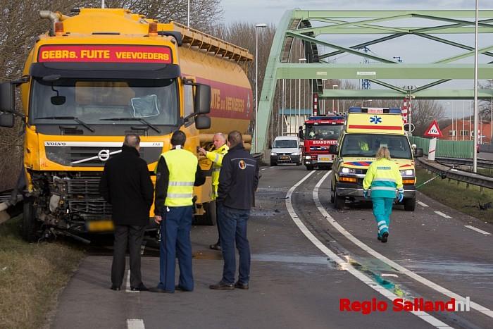 Automobilist overleden na ernstig ongeval in Hasselt - Foto: Pim Haarsma