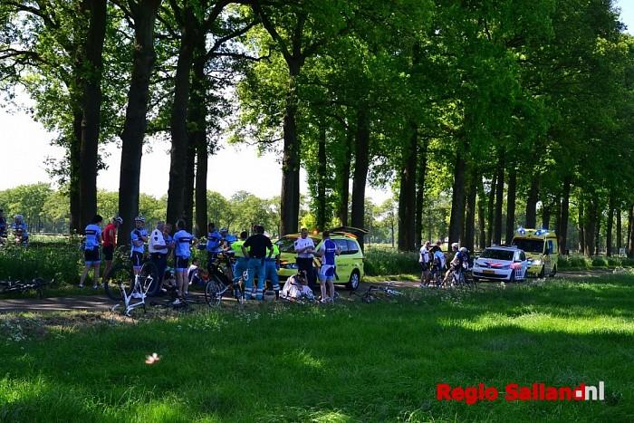 UPDATE: Wielrenners gewond na valpartij in Dalfsen - Foto: Jasper Hutten