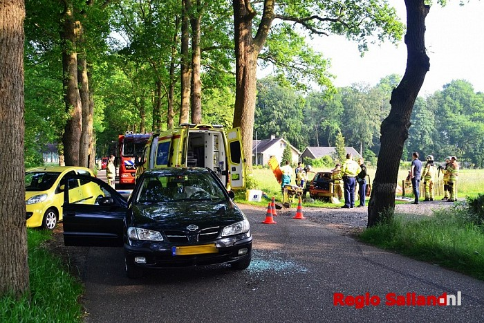 Vrouw raakt gewond bij ongeval Eikelhofweg in Olst - Foto: Jasper Hutten