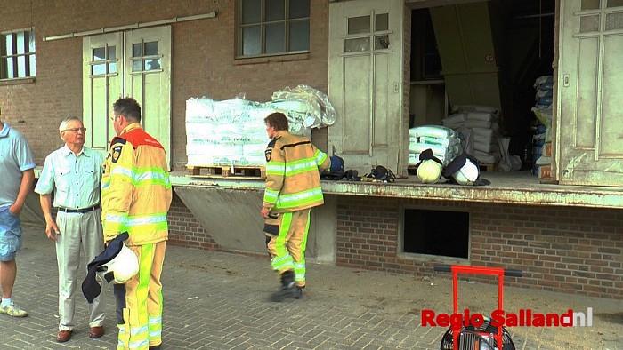 Brand bij mengvoederbedrijf Feijen in Dalfsen - Foto: Jasper Hutten