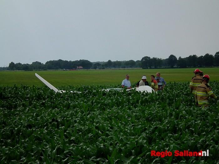 Zweefvliegtuig gecrashed in maïsveld bij Dalmsholte - Foto: Robert Bril