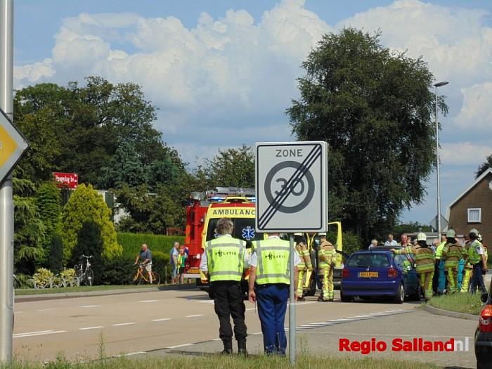 N35 afgesloten door ongeluk met meerdere auto's - Foto: Redactie RS