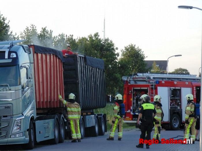 Brandweer rukt uit voor rokende aluminiumvezels - Foto: Redactie RS