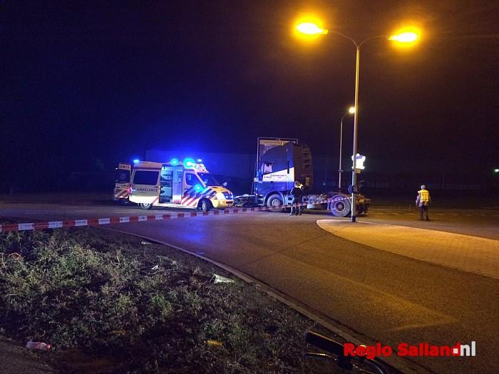 Man zwaargewond bij ongeval met vrachtwagen in Raalte - Foto: Nick Jonkman