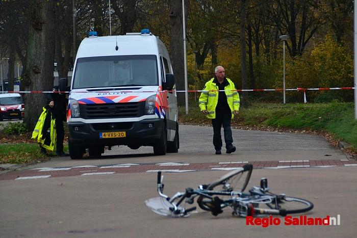 Fietser ernstig gewond na botsing met auto in Raalte - Foto: Jasper Hutten