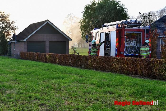 Brand in schuur aan de Hogeweg in Raalte - Foto: Jasper Hutten