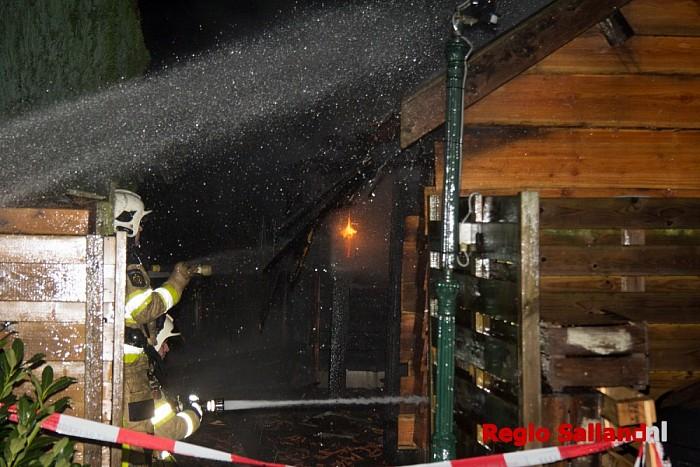 update: Grote brand in schuur Het Roode Hert in Dalfsen - Foto: Pim Haarsma