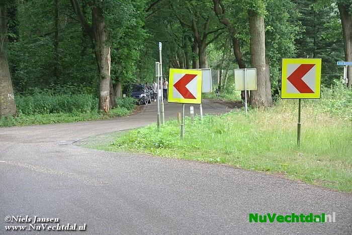 Gewonde na botsing tegen bomen Berkendijk Heino - Foto: Niels Jansen