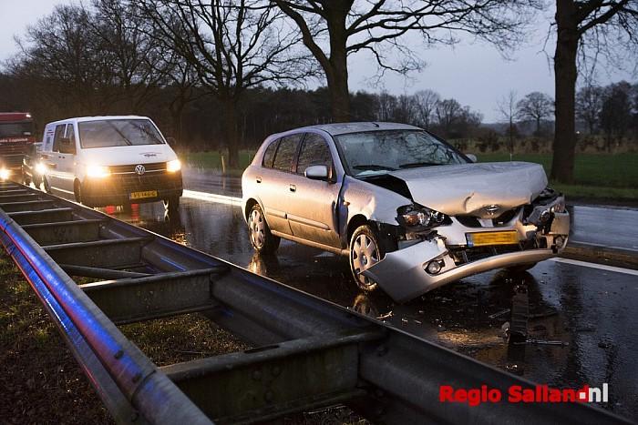 Gewonde bij ongeval op de N35 bij Raalte. - Foto: Jasper Hutten