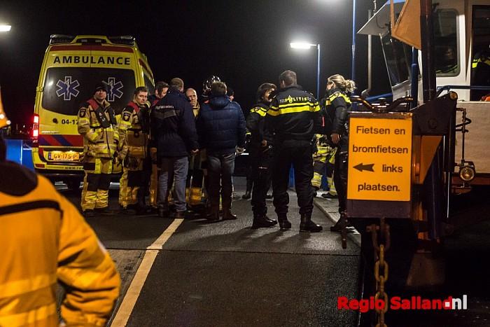 Automobiliste volgt navigatie en stuurt IJssel in bij Wijhe - Foto: Pim Haarsma