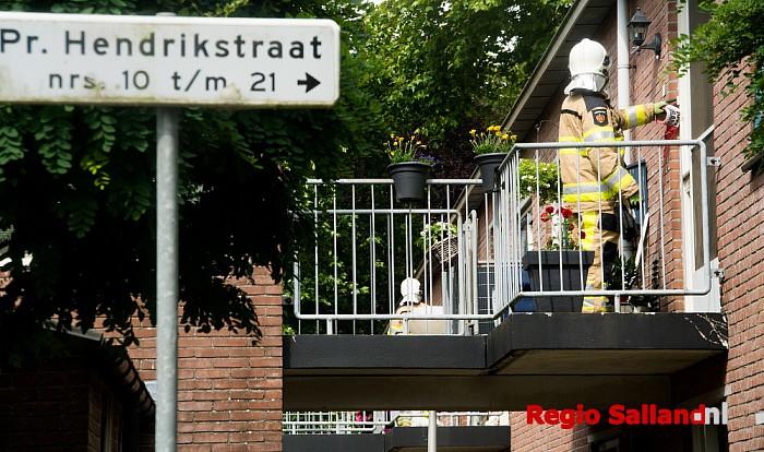 Brandweer rukt uit voor gaslucht in Wijhe - Foto: Jasper Hutten