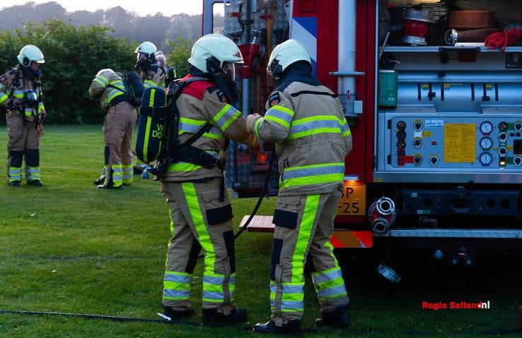 Caravan in brand op camping in Fortmond - Foto: Jasper Hutten