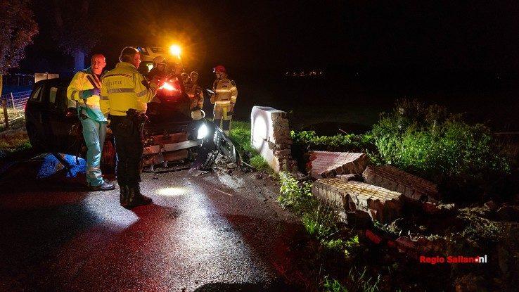Bestuurster gewond na ongeval in Broekland - Foto: Jasper Hutten