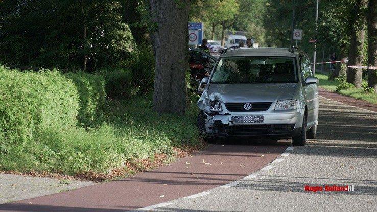 Vier motorrijders geschept in Olst - Foto: Jasper Hutten