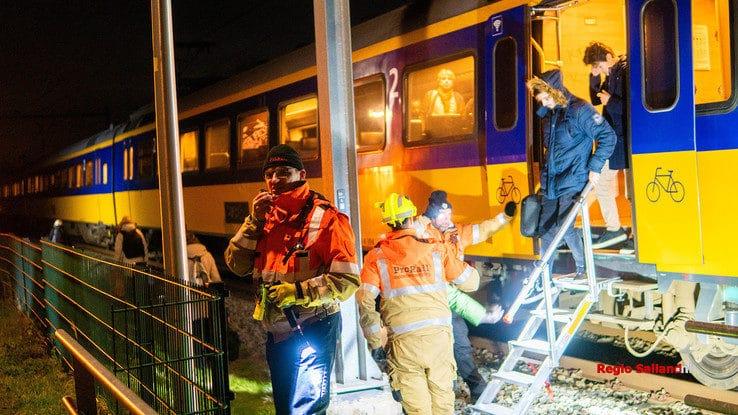 Geen treinen tussen Deventer en Zwolle door defecte bovenleiding - Foto: Jasper Hutten