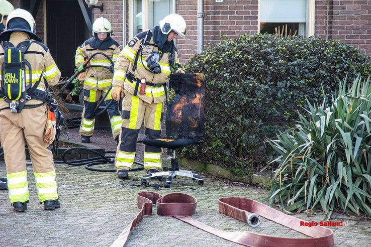 Brand op zolderkamer in Nieuw Heeten - Foto: Pim Haarsma