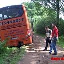 Bus in de sloot bij Centsweg in Heino