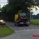 Auto met hoge snelheid tegen boom in Luttenberg