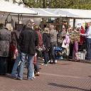 Drukte bij zonnige hobbymarkt in centrum Raalte