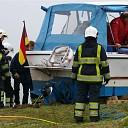 Duits jacht vliegt met hoge snelheid op wal nabij Olst