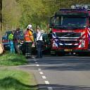 Auto botst frontaal tegen een boom in Luttenberg